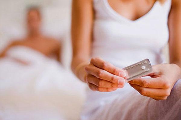 Uống thuốc tránh thai khẩn cấp mà vẫn có thai