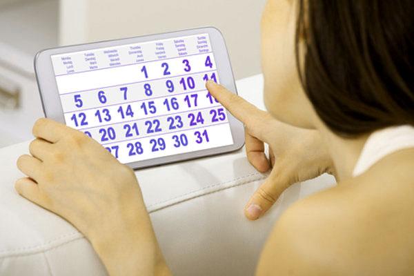 Uống thuốc tránh thai hàng ngày có bị chậm kinh không?