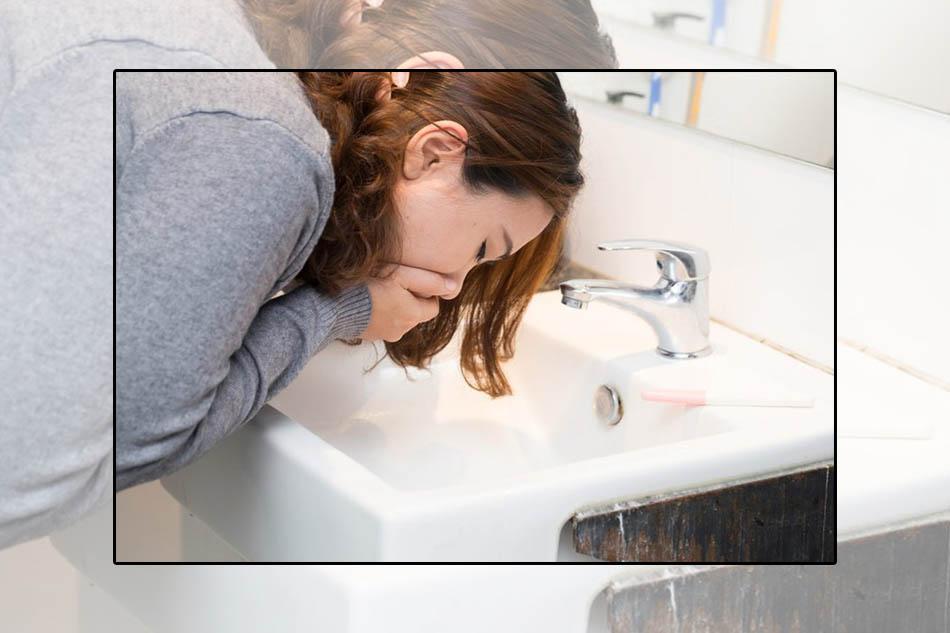 Buồn nôn là một triệu chứng của bệnh loét dạ dày tá tràng